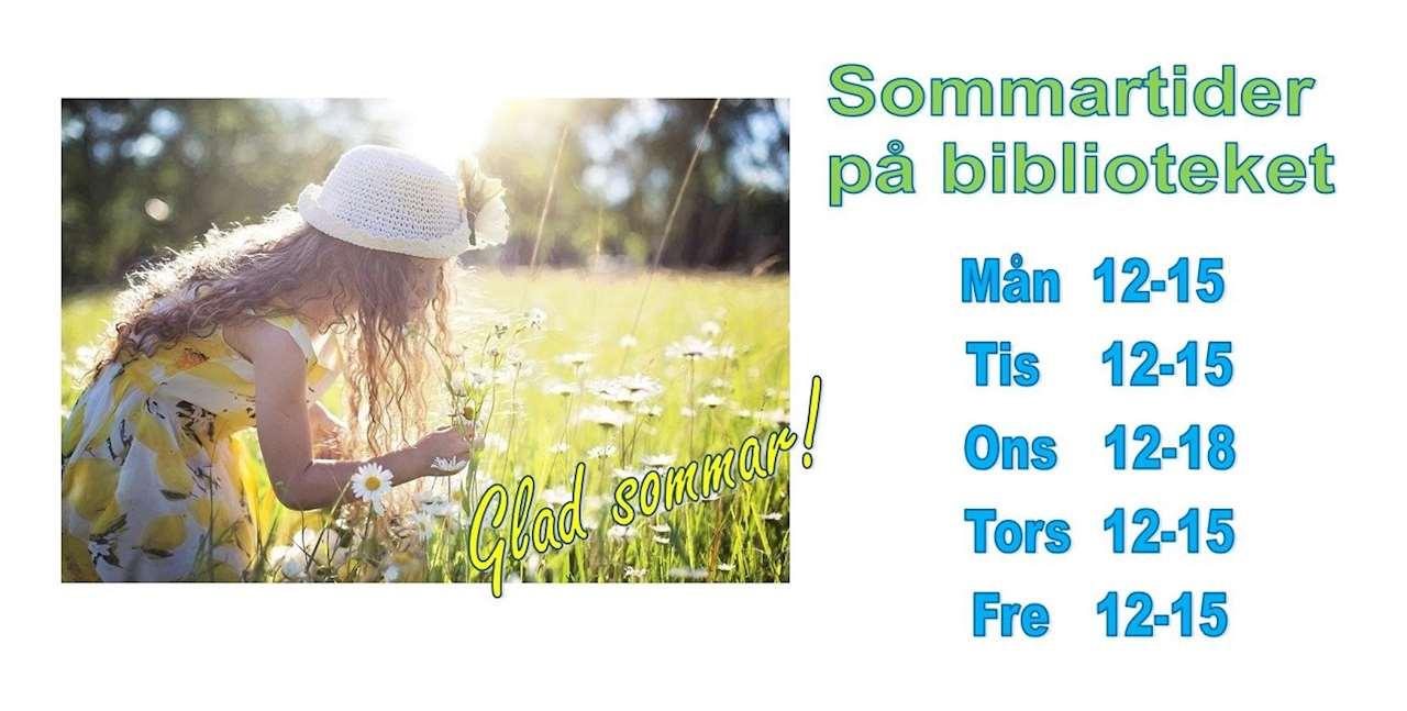 Foto på flicka som plockar blommor samt glad sommar-hälsning. Sommartider på biblioteket. Mån 12 - 15, Tis 12 -15, Ons 12 -18, Tors 12-15, Fre 12 -15.